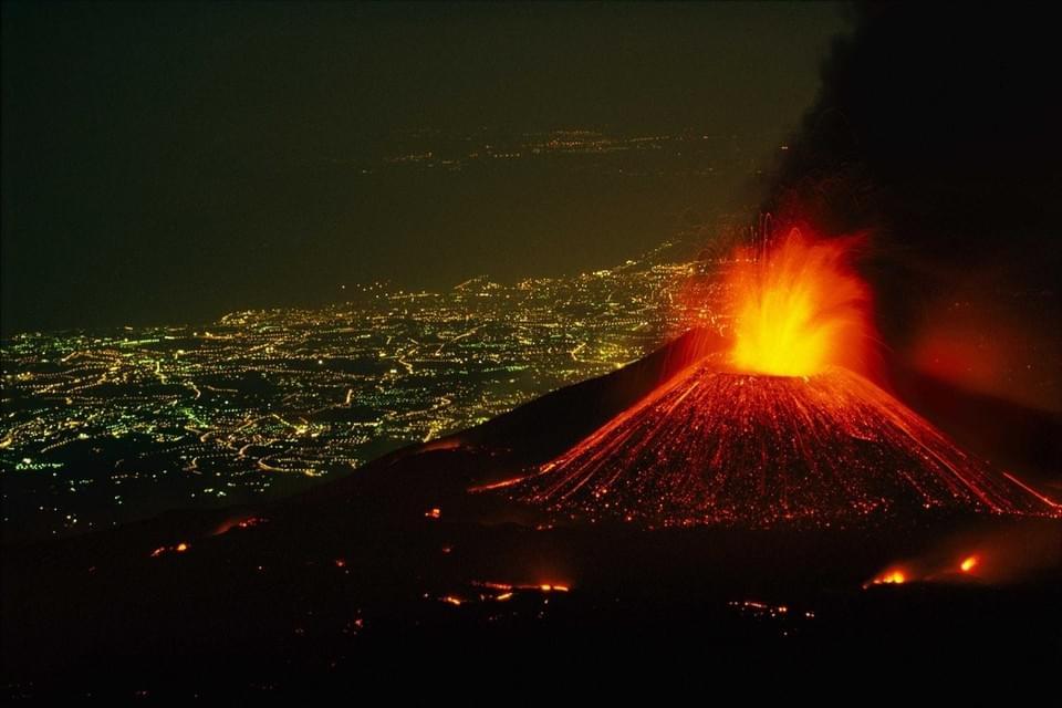 "Картинки по запросу ""вулкан этна"""
