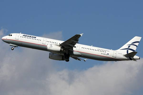 Лайнер Airbus A-320  Aegean Airlines
