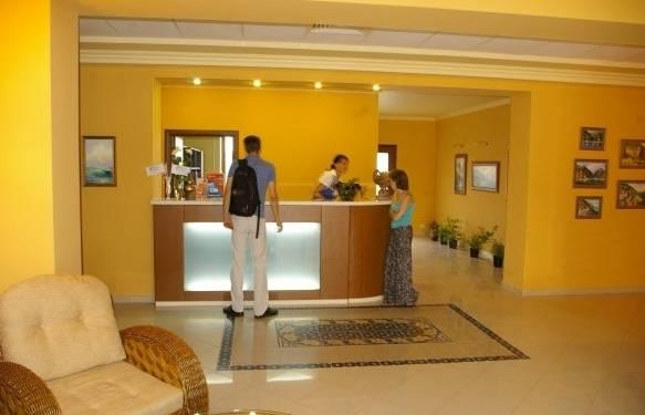 Отель Alex Beach Hotel (Гагра)