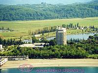 """Современный комплекс пансионата  """"Литфонд """" в Абхазии удачно расположился..."""