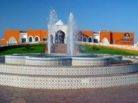 ...www: www. sunrisehotels-egypt.com В отеле большая красивая территория...