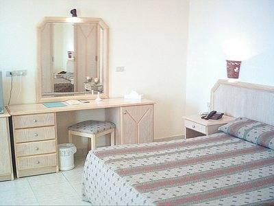 Отель Sharm Cliff (Шарм Клиф) расположен в 20 километрах от...