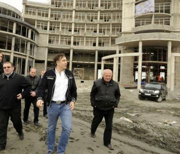 Саакашвили инспектирует возведение нового курорта,  Грузия