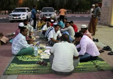 На период Рамадана в ОАЭ ужесточают правила поведения в общественных местах,  ОАЭ
