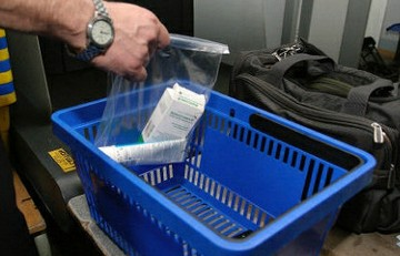 Туристам разрешат проносит жидности на борт самолёта,  Россия