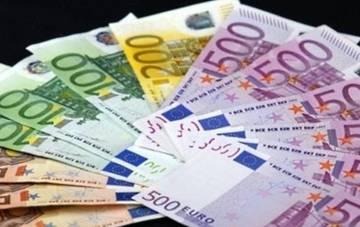 В 2011 году российские туристы потратили в Европе 18 млрд евро