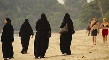 Индонезия исламизирует туризм
