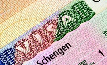 Европейцы грозят отменой шенгена для российских туристов из-за закона о персональных данных