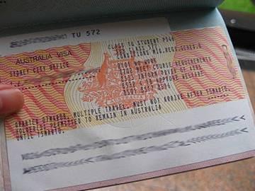 За австралийскую визу туристам придется платить кредитной картой