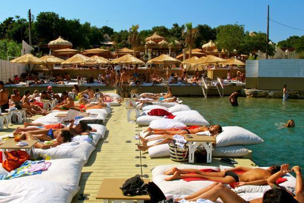 Kayra Beach Club ile ilgili görsel sonucu