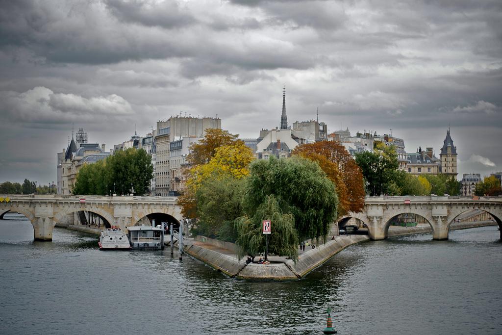 наличии остров сен луи в париже фото оригинале много