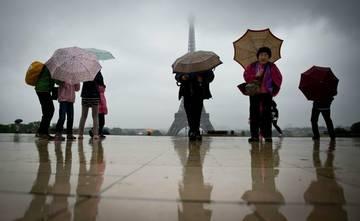 Туроператоры меняют экскурсионные маршруты для российских туристов в Париже