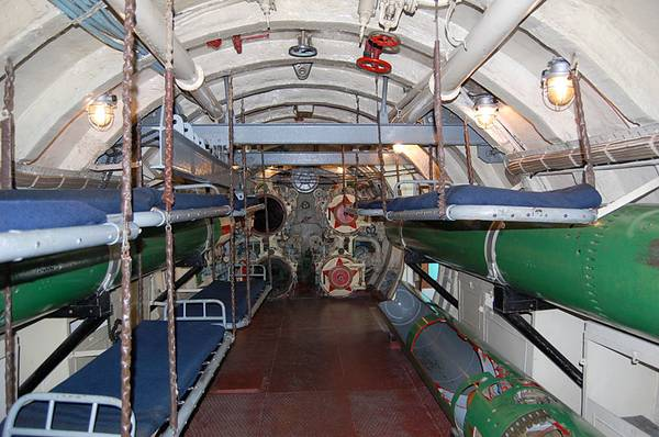 foto-vnutri-podvodnoy-lodki