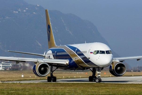 Рейс авиакомпании NordStar Анталья— Москва схвачен по неведомым причинам