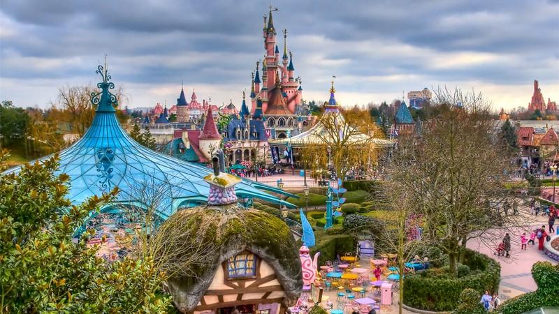 Спрос наФранцию среди русских туристов вырос на27%