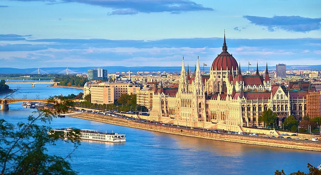 Венгрия. Будапешт. Дунай - главная речная магистраль Центральной Европы