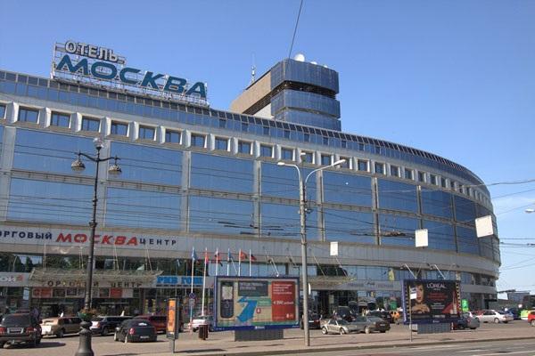 Пьяные финны устроили пожар в«Москве» вцентре Петербурга