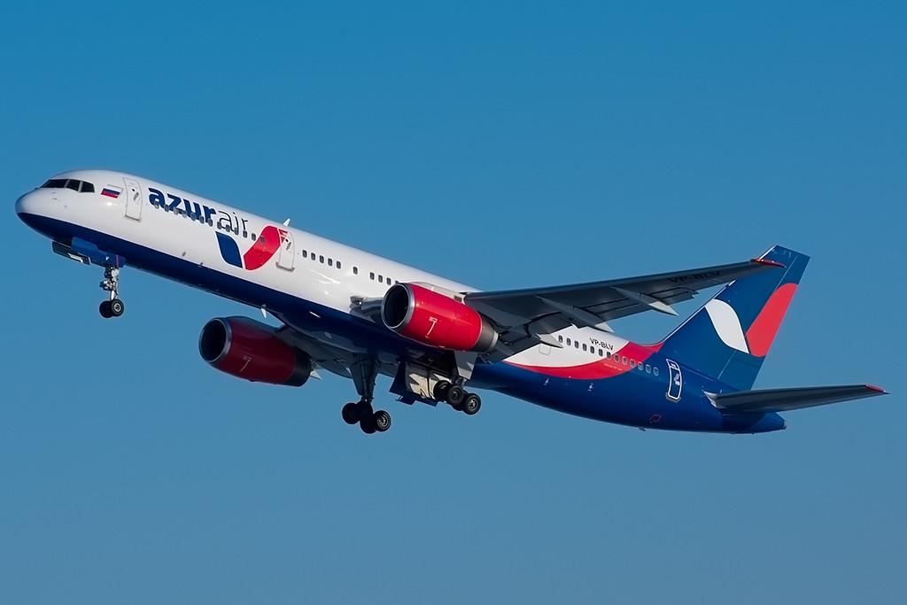 Наавиакомпанию Azur Air заведут уголовное дело