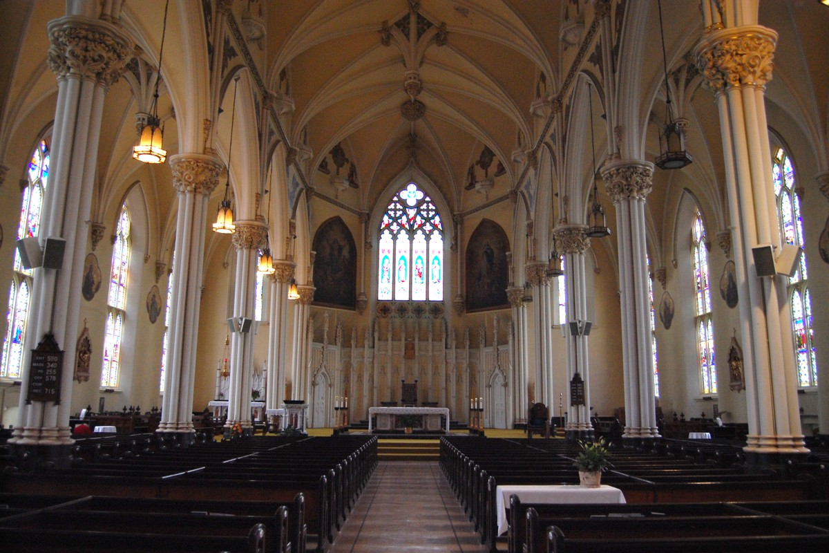 католический собор фото внутри состояние