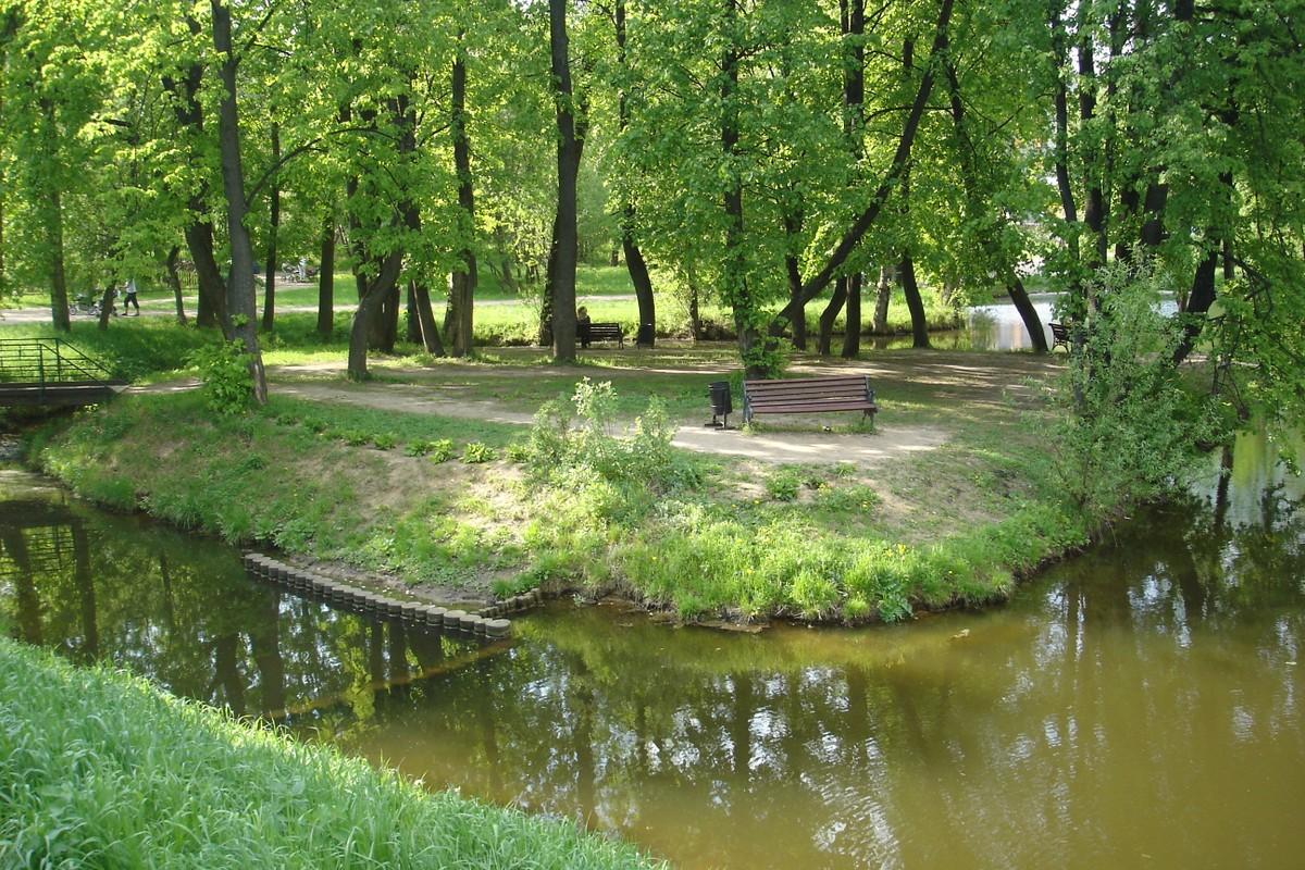 нравится, хотя фотографии воронцовского парка в москве поражают тяжелыми, крупными