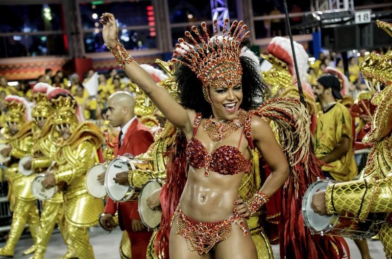 Бразильскии секс карновал