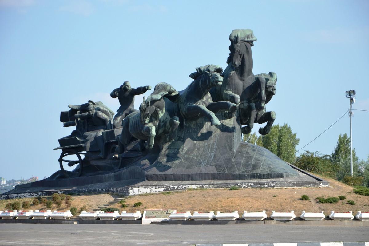 Все памятники ростова на дону с описанием необычные памятники в санкт петербурге фото с названиями