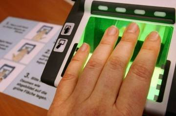 АТОР: российским туристам приходится повторно сдавать биометрию