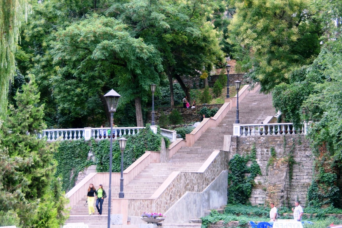 знакомства в газете каменная лестница таганрог