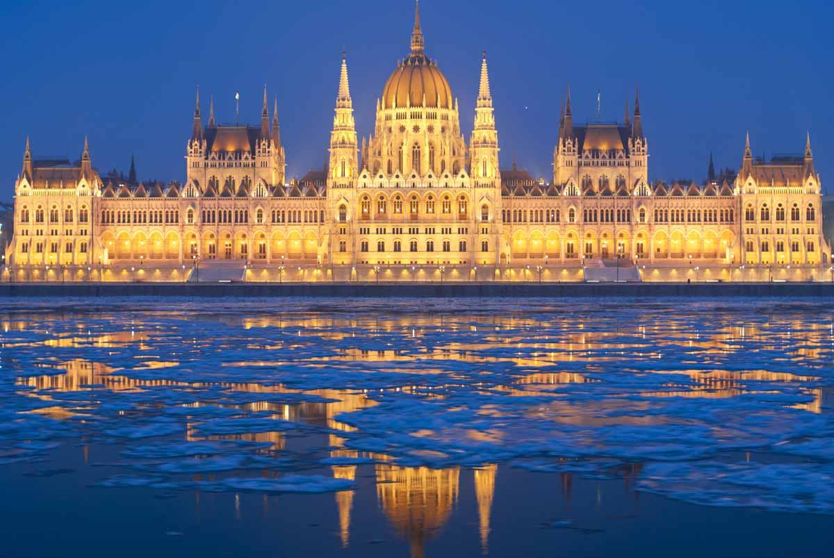 Картинки по запросу здание венгерского парламента в будапеште