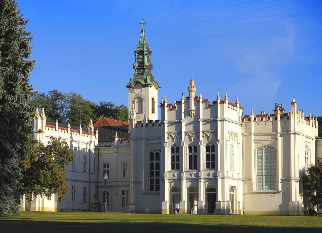 Картинки по запросу замок брунсвик в будапеште