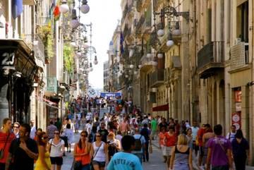 Туристы за апрель потратили в Испании 5.6 миллиардов евро