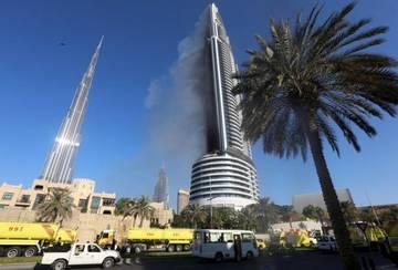 В Дубае загорелся отель