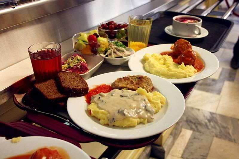 podavali-v-sovetskom-restorane
