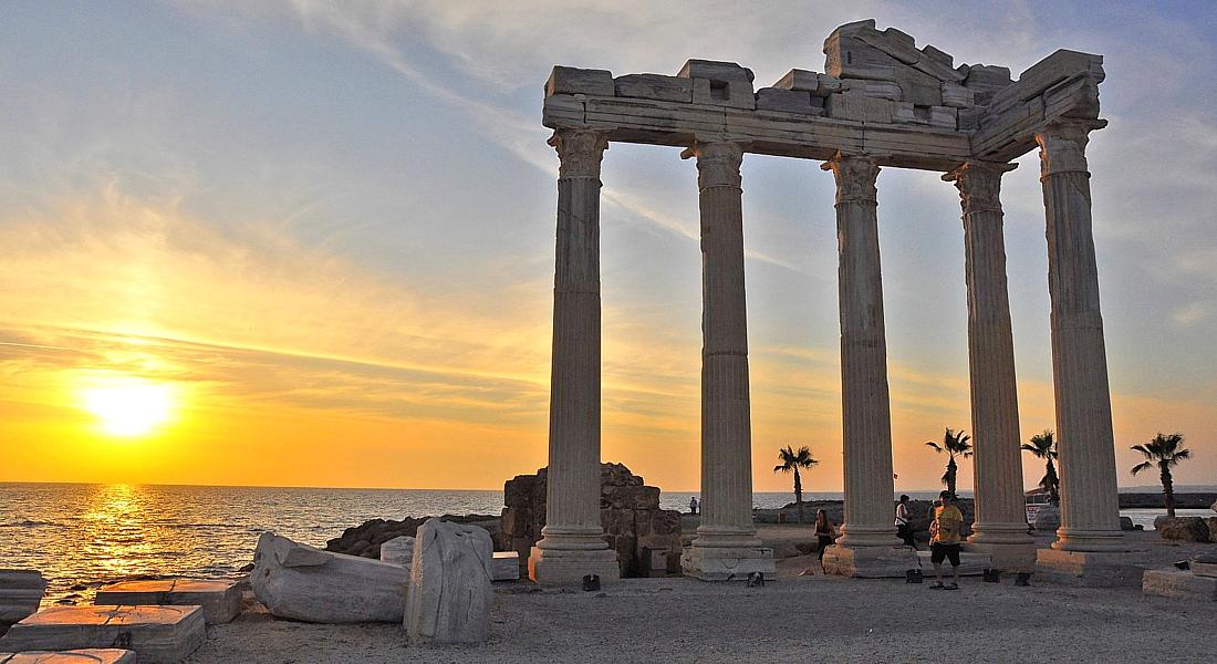 Турция! Курорт Сиде – это без преувеличений музей под открытым небом