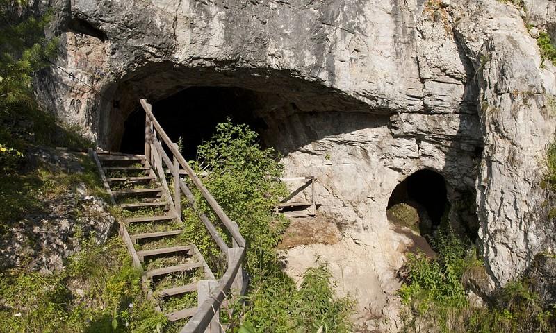 Залето Денисову пещеру посетили 10 тыс. человек