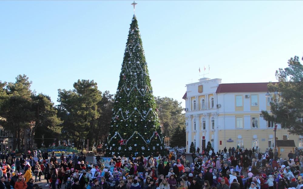 Новый год иРождество вГеленджике встретили 27 тыс. человек