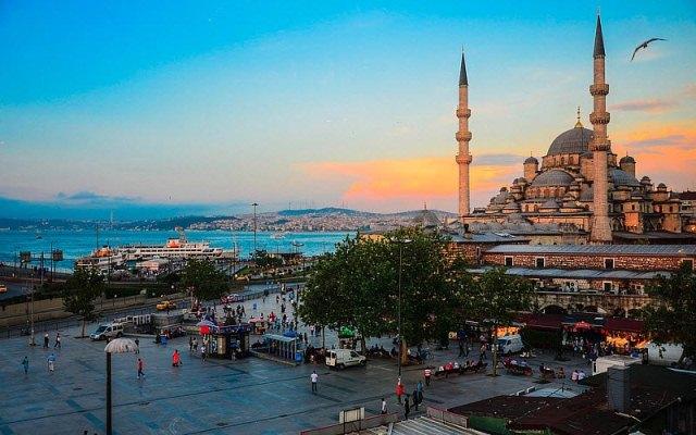 Хотельеры Стамбула экстренно снижают цены