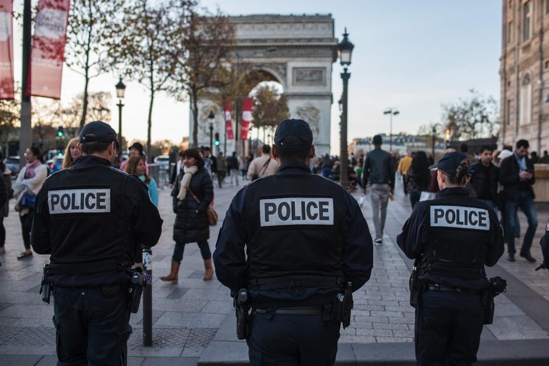 В основных туристических местах Парижа усилят меры безопасности