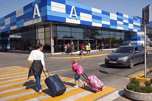 7 авиакомпаний получат субсидии на перевозки в Крым