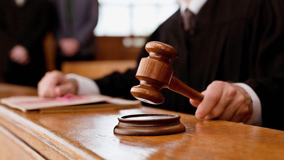 Херсонський суд відправив під домашній арешт хабарника-начальника сектору патрульної поліції