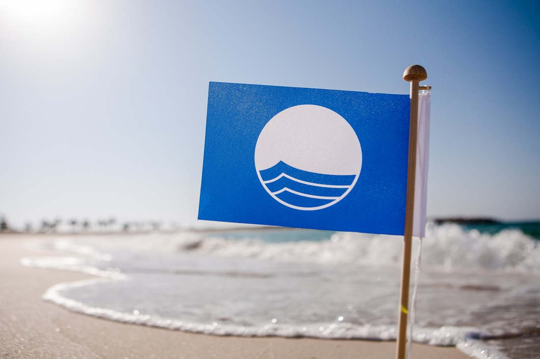 Пляжи россии с голубыми флагами