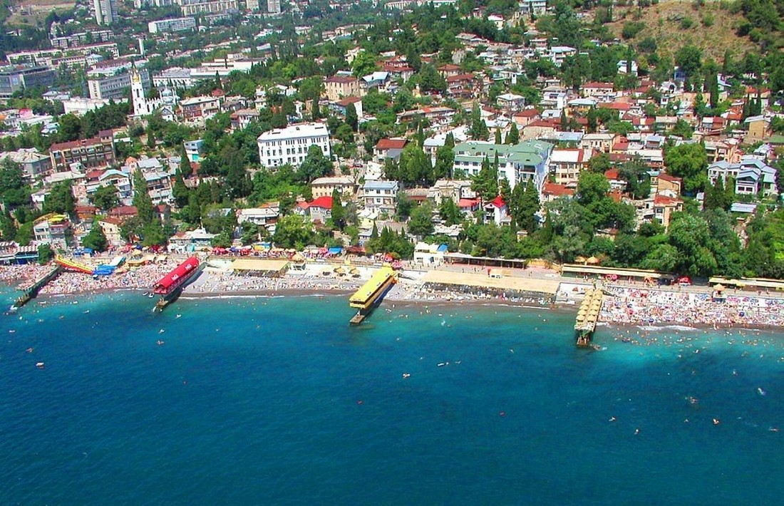Крым всамом начале года посетили практически три млн. туристов