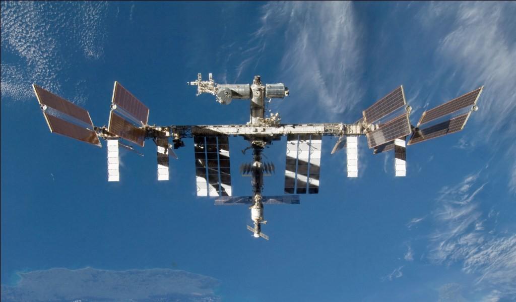 Роскосмос начнет посылать туристов вкосмос с2019—2020 годов