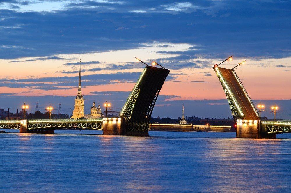 В строительство трех плавучих отелей в Питере инвесторы вложат более 1 млрд рублей