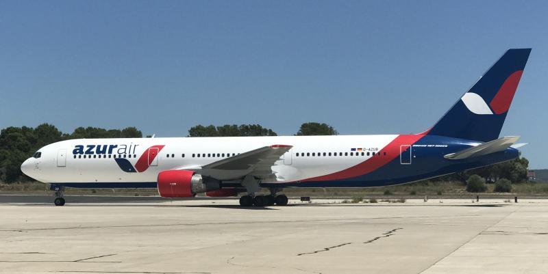 Лайнер Azur Air совершил экстренную посадку во Флориде