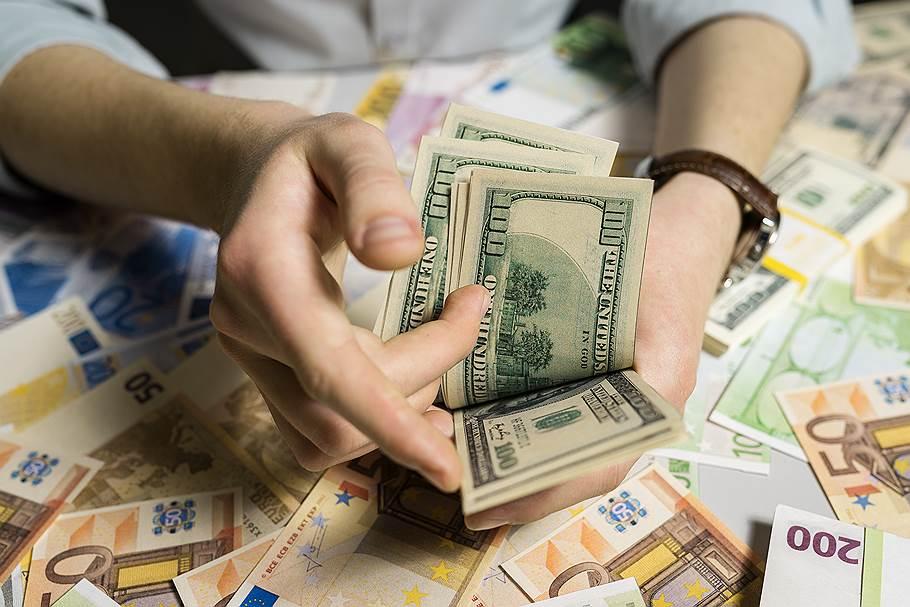 Больше всего денег туристы оставили в США , Испания , Россия , США , Таиланд , Франция