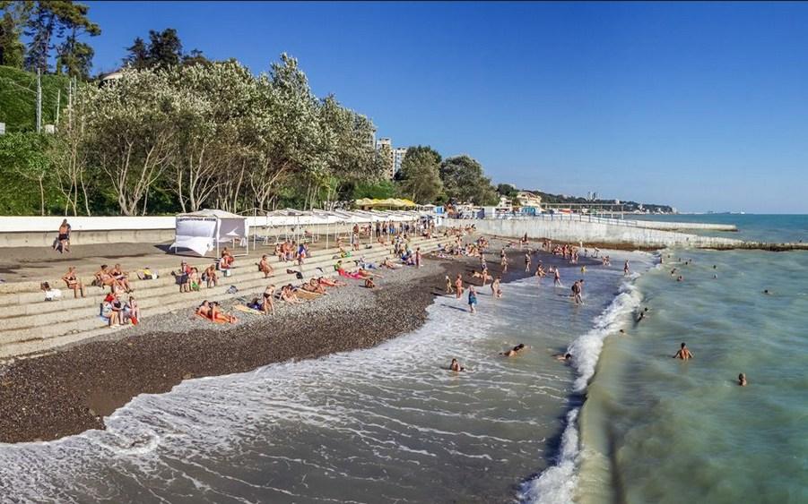 Пляжный сезон в Сочи продлили до конца октября