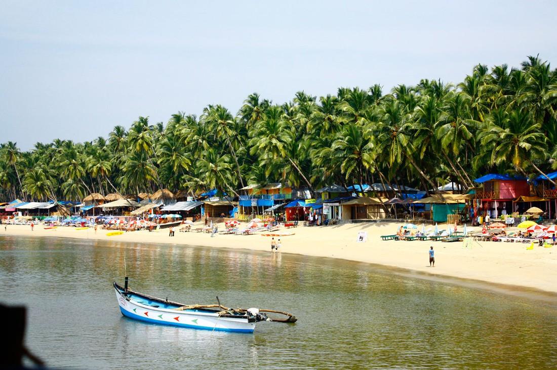 Чартер из России открыл туристический сезон в Гоа , Индия