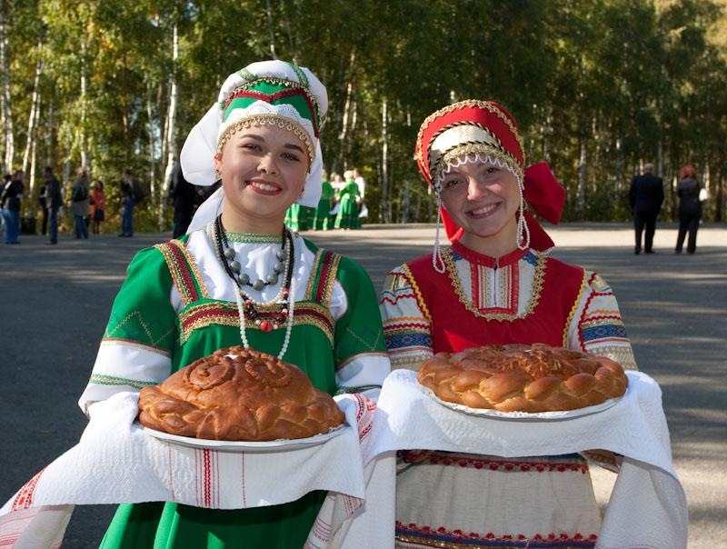 https://www.tourprom.ru/site_media/images/upload/2018/7/3/newsphoto/gosti.jpg