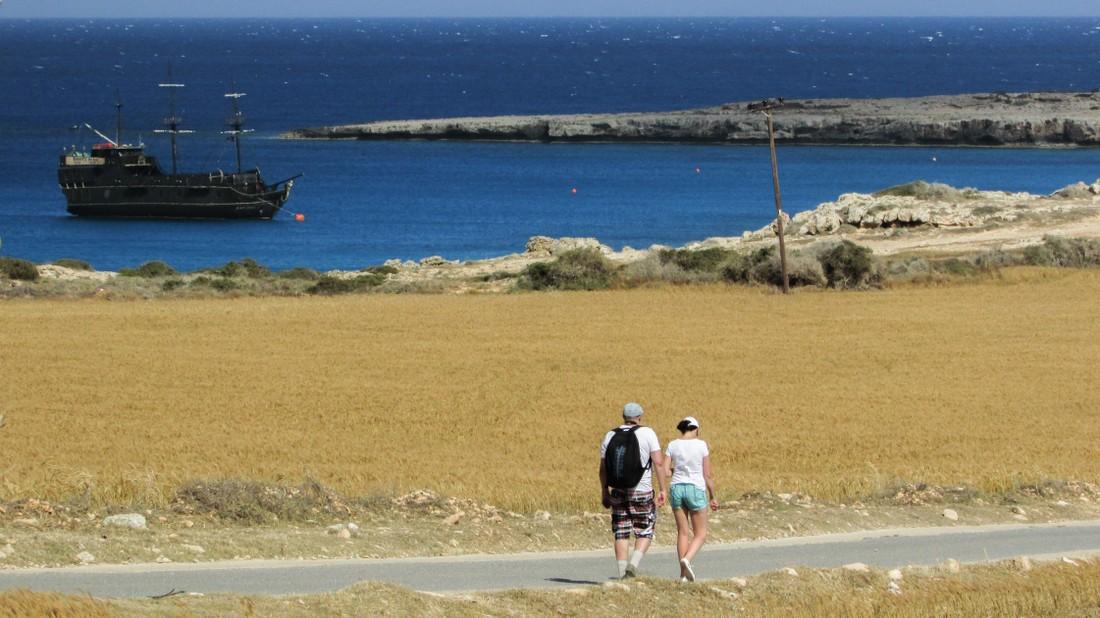 Туристы из России ужались на 9.2% в своих тратах на Кипре , Кипр